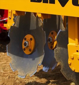 Close up photo of the Brock SuperTill 530, showing hard wearing discs